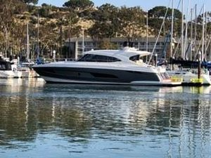 Used Riviera 5400 Sport Yacht5400 Sport Yacht Sports Cruiser Boat For Sale