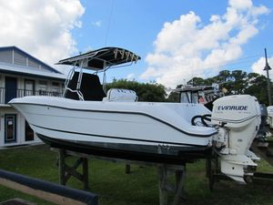 Used Hydra-Sports 2796 CC Vector2796 CC Vector Saltwater Fishing Boat For Sale