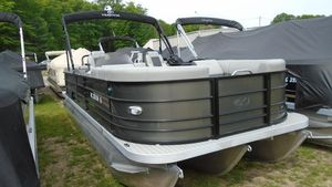 Used Veranda VR22RC 27 TTVR22RC 27 TT Pontoon Boat For Sale