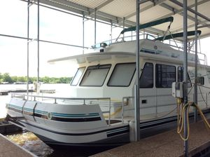 Used Gibson 55005500 House Boat For Sale