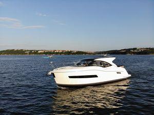 New Carver C37C37 Cruiser Boat For Sale