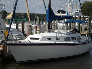 Used Newport 33 Sloop Cruiser Sailboat For Sale
