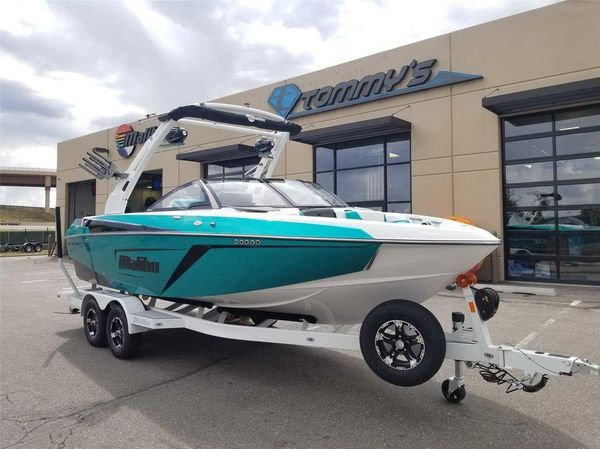 Used Malibu 22 LSV22 LSV Ski and Wakeboard Boat For Sale