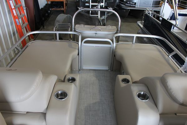 New Avalon LSZ 2485 RLLSZ 2485 RL Pontoon Boat For Sale