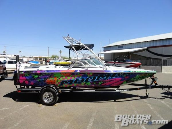 Used Moomba Outback VOutback V Ski and Wakeboard Boat For Sale
