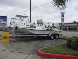 New Shallow Stalker CAT-204 RCCAT-204 RC Center Console Fishing Boat For Sale