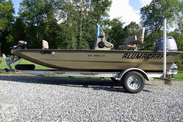 Used Alumacraft MV 1860 CC Aluminum Fishing Boat For Sale