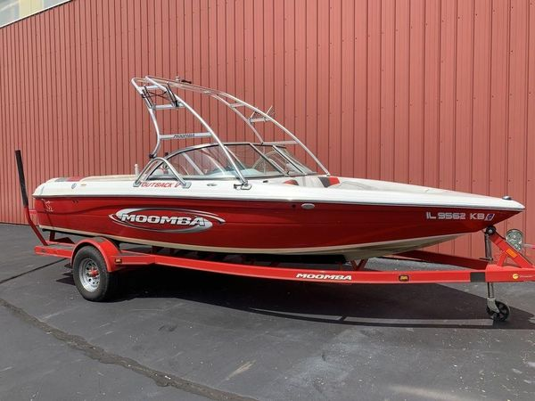 Used Moomba Outback VOutback V Bowrider Boat For Sale