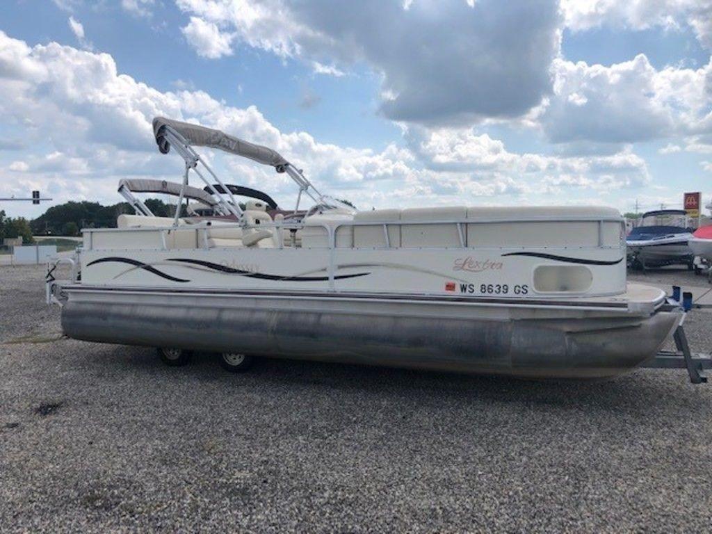 2004 Used Odyssey 2315 Lextra2315 Lextra Pontoon Boat For