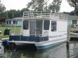 Used Catamaran Cruisers Vagabond 10x35 Pontoon Boat For Sale