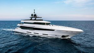 Used Mangusta Oceano 42 Mega Yacht For Sale