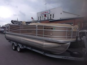 Used Berkshire 231RFC STS231RFC STS Pontoon Boat For Sale