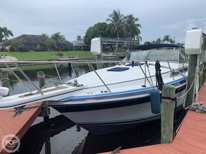 Used Wellcraft ST TROPEZ 3200/EX Express Cruiser Boat For Sale