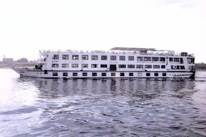 Used Custom Floating Hotel / River BoatFloating Hotel / River Boat Commercial Boat For Sale