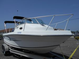 Used Angler 204LE204LE Walkaround Fishing Boat For Sale