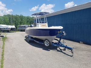 New Nauticstar 2102XS Legacy2102XS Legacy Center Console Fishing Boat For Sale