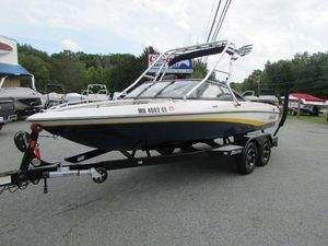 Used Malibu ResponseResponse Ski and Wakeboard Boat For Sale