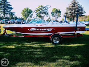 Used Moomba 20 Outback Ski and Wakeboard Boat For Sale