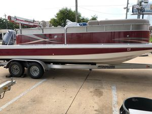 Used Hurricane FD 236 WB OB Bowrider Boat For Sale