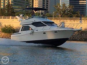 Used Bayliner 3258 Avanti Command Bridge Express Cruiser Boat For Sale