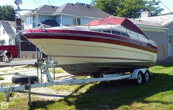 Used Sea Ray SRV230 Weekender Express Cruiser Boat For Sale