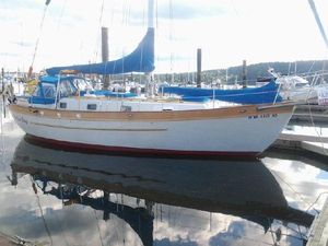 Used Young Sun Cruiser Sailboat For Sale