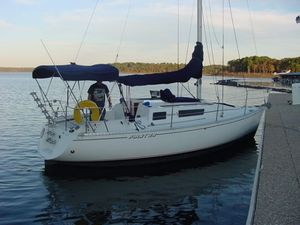 Used Beneteau First 29 Racer and Cruiser Sailboat For Sale