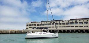 New Hunter 33 Cruiser Sailboat For Sale
