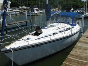 Used Hunter H 31 Cruiser Sailboat For Sale