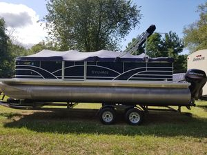 Used Sylvan Mirage 8522 Cruise Pontoon Boat For Sale