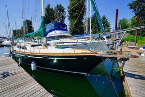 Used Gulfstar 39 Sailmaster Sloop Sailboat For Sale
