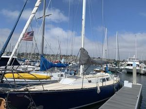 Used Newport 41 Cruiser Sailboat For Sale