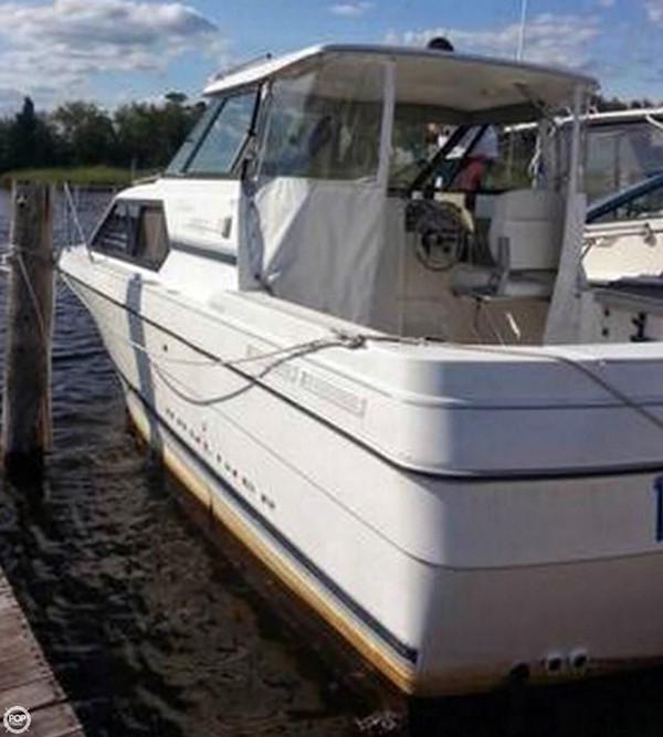 Used Bayliner 24 Express Cruiser Boat For Sale