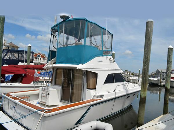 Used Trojan 10.8 Meter Trojan International Flybridge Boat For Sale