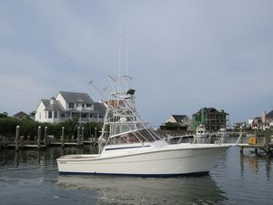 Used Topaz 32 Express Sports Fishing Boat For Sale