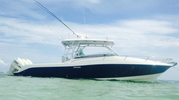 Used Hydra Sports Vector 3300 VX Saltwater Fishing Boat For Sale