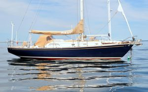 Used Islander Yachtcraft 37 Cruiser Sailboat For Sale