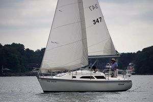 Used Catalina 270 Racer and Cruiser Sailboat For Sale