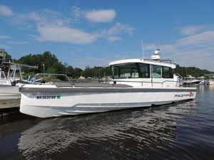 Used Axopar 28 Cabin Express Cruiser Boat For Sale