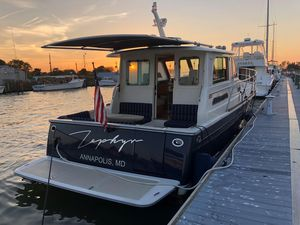 Used Sabre 40 Salon Express Motor Yacht For Sale