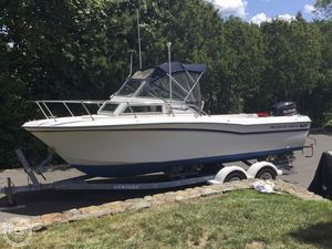 Used Grady-White 22 Seafarer Walkaround Fishing Boat For Sale