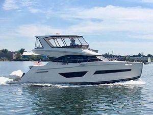 Used Carver C52 Command Bridge Motor Yacht For Sale