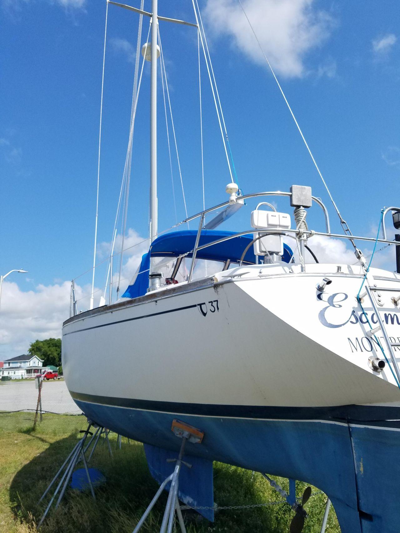 1984 Used Tartan 37 Cruiser Sailboat For Sale - $47,500