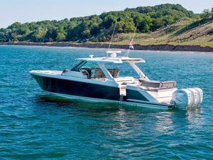 New Tiara Sport 43 LS Center Console Fishing Boat For Sale