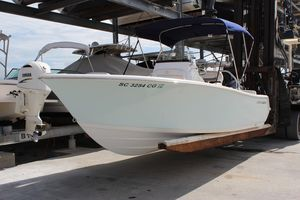 Used Sportsman 211 Heritage Center Console Fishing Boat For Sale
