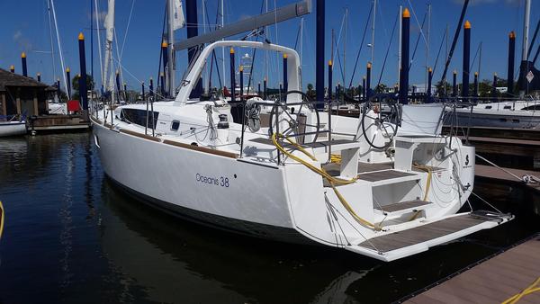 New Beneteau Oceanis 38 Cruiser Sailboat For Sale