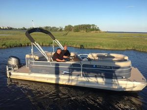 Used Veranda 2275 Relax Pontoon Boat For Sale