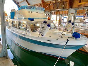 Used Uniflite 31 Sport Sedan Flybridge Boat For Sale
