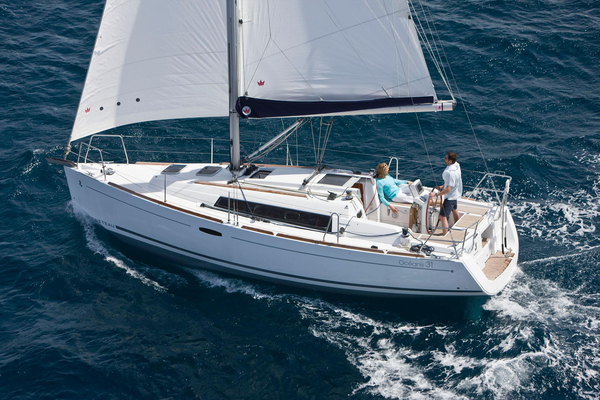 New Beneteau Oceanis 31 Cruiser Sailboat For Sale