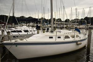 Used Newport 31 Cruiser Sailboat For Sale